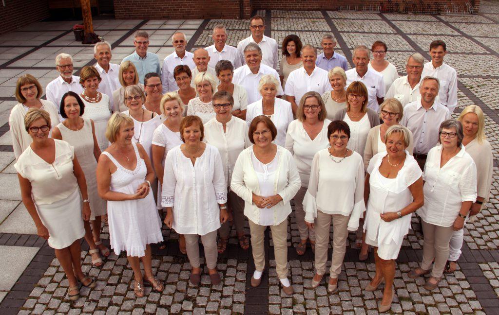 Kirkekonsert med Østenstad Sangeri // Gjestekor: Bergstadkoret